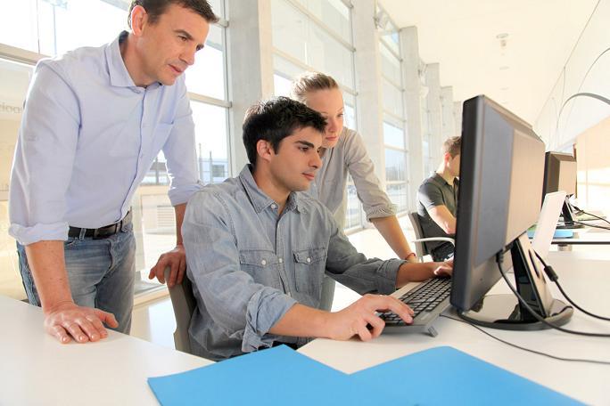 offerta di lavoro per Periti Informatici